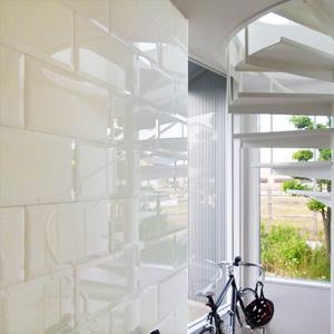 ビトロカラーガラス壁面